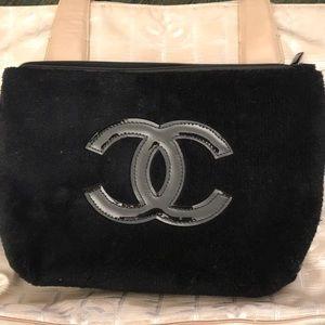 Chanel VIP clutch